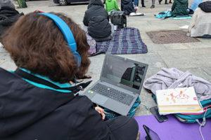 Studenti contro Cirio, la civile e nonviolenta protesta: DAD in piazza davanti alla Regione
