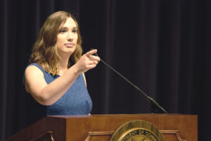 L'attivista LGBTQ Sarah McBride diventa la prima senatrice transgender degli Stati Uniti