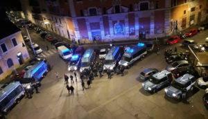 """Roma, sgombero al Cinema Palazzo, l'appello degli attivisti: """"Chi può ci raggiunga a San Lorenzo"""""""