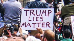 Le azioni autoritarie di Trump sull'elezione e la fragilità della democrazia americana