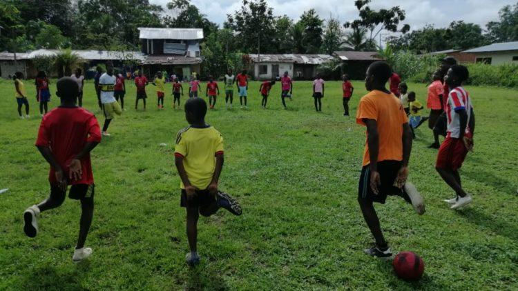 Formación futbolística por excombatientes de las FARC
