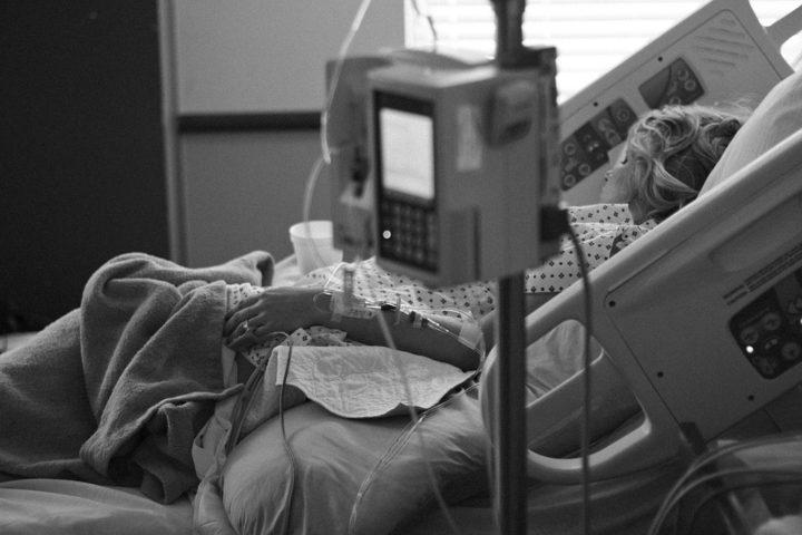 Το Νοσοκομείο Παπανικολάου δεν αντέχει άλλους ασθενείς παράλληλα ξεκίνημα διαδικασιών για την αγορά 18 αμερικανικών μαχητικών F-35.