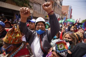 Evo Morales kehrte nach Bolivien zurück, empfangen von einer großen Menschenmenge