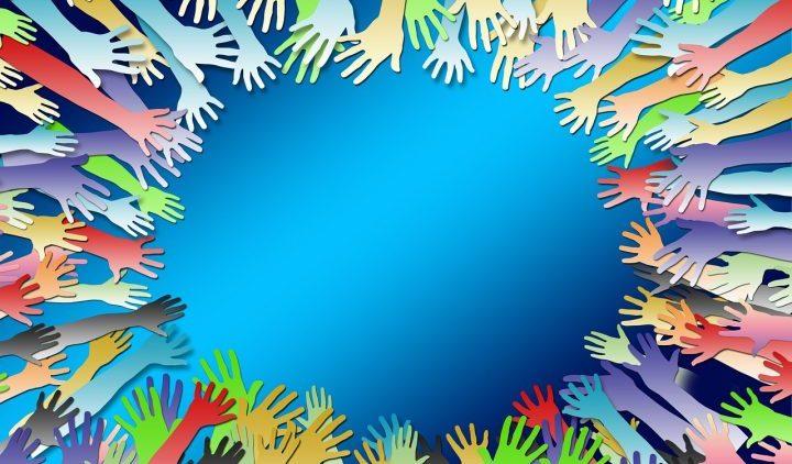 mani solidarietà pixabay-720x502