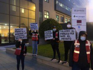 Sanità privata, protesta contro il San Raffaele di Milano