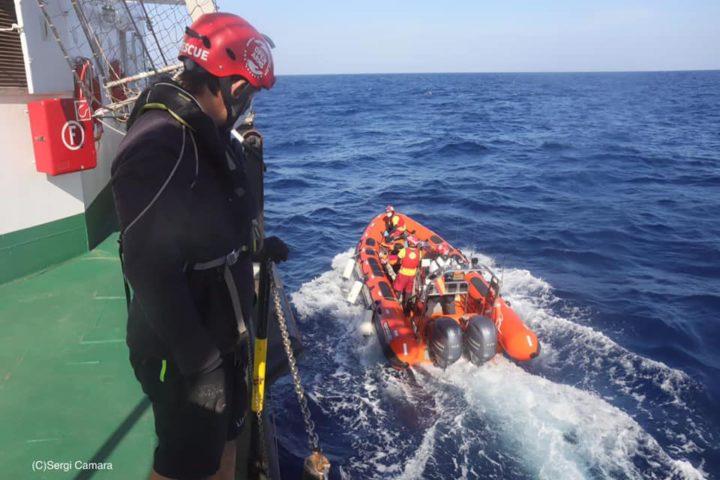Open Arms – Emergency: completato il trasferimento dei 255 naufraghi
