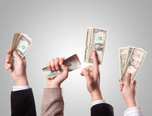 Φορολογήστε τους πλούσιους άφοβα!
