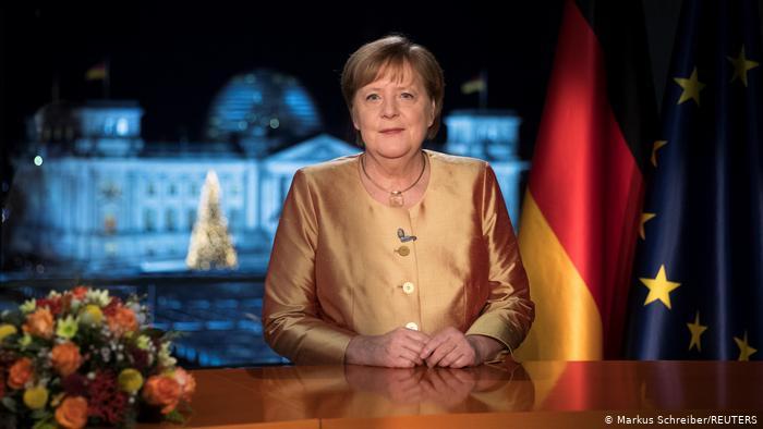 Merkel: «Tiempos difíciles para nuestro país»