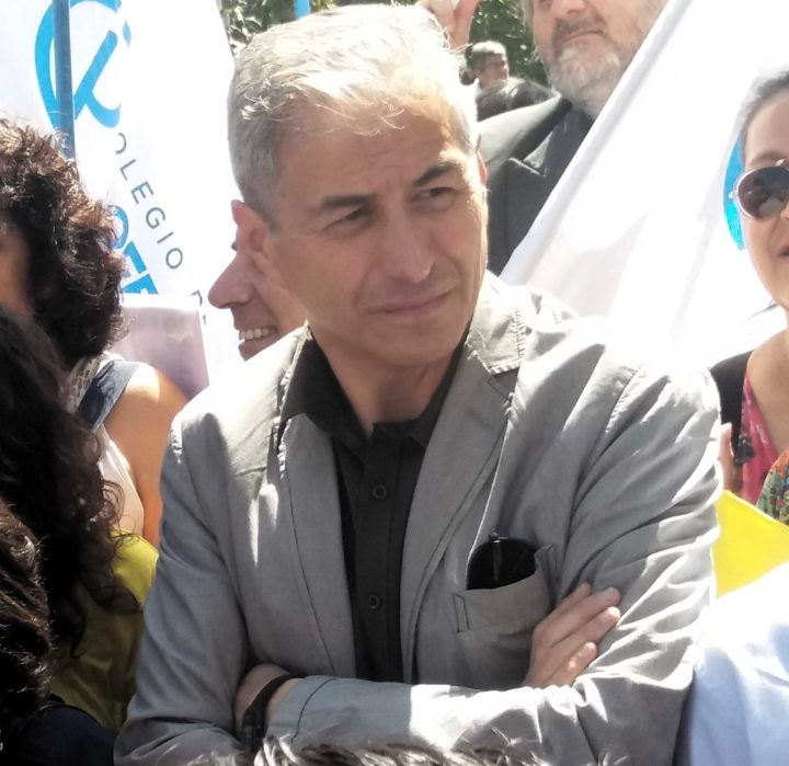 Profesores chilenos piden apoyo