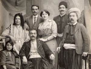 Algerian Jews between Disenchantment and Nostalgia: uprooting duel and eternal regrets