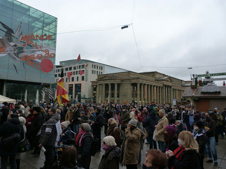 Demonstraten am Schlossplatz