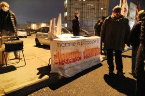 """""""Mamme in piazza"""": continua il presidio al carcere delle Vallette di Torino"""