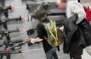 IEG non cancella la fiera delle armi HIT Show ma la rinvia ad aprile: decisione irresponsabile in tempi di pandemia