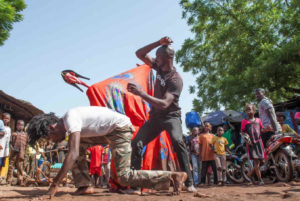 Mali: ballare nei mercati di Bamako