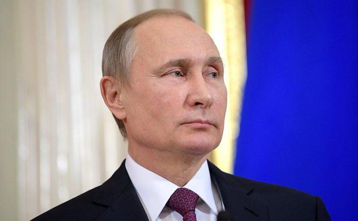 Ρωσία: ο Πούτιν ξεκινά μαζικούς εμβολιασμούς. Τι λέει ο Ηλίας Μόσιαλος για το ρωσικό εμβόλιο