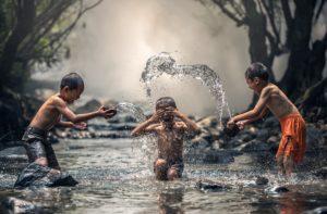 Cotizar el agua en Wall Street viola los derechos básicos
