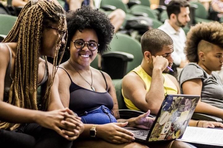 Cotas raciais: a fraudulenta história do Brasil atravessa o século XXI através do recorte acadêmico