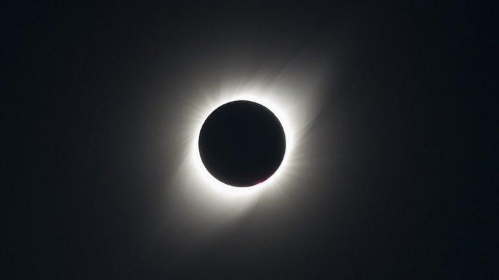 Se acerca el eclipse solar total, que no se repetirá hasta el 2048: ¿dónde, cuándo y cómo observarlo?