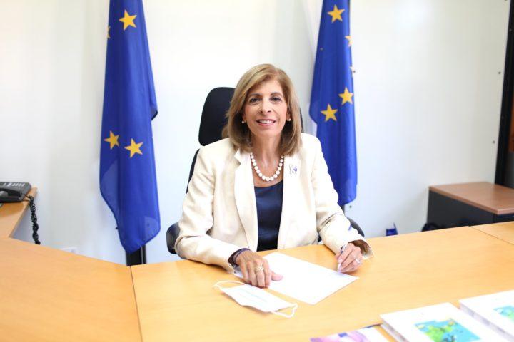 Οργανώσεις ζητούν διαφάνεια στους όρους των συμβάσεων που έχει υπογράψει η ΕΕ για τα εμβόλια