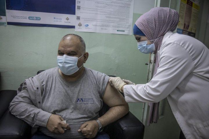 Οι πρόσφυγες στην Ιορδανία εμβολιάζονται κατά του COVID-19