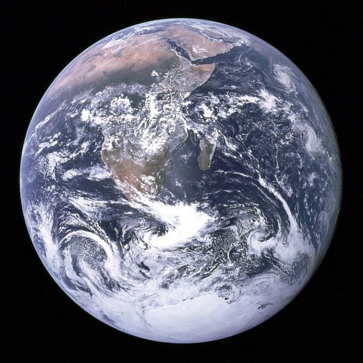 La Tierra vista desde la escotilla del Apollo 17