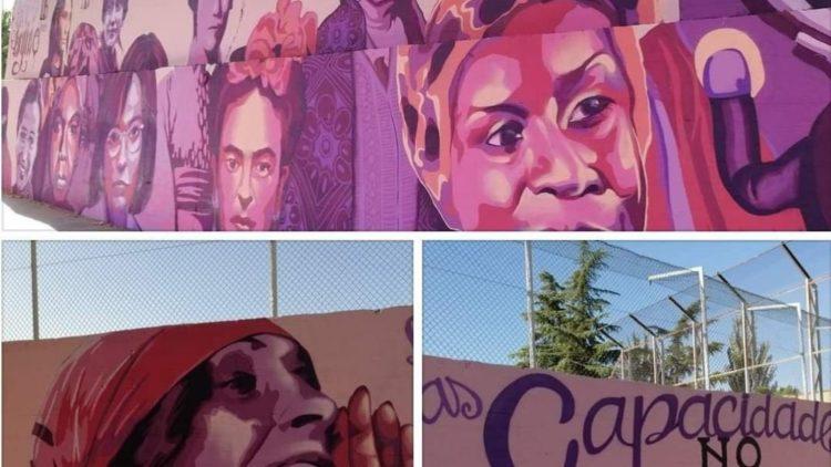 Wandmalereien, die enfernt werden sollen: Der Kampf ist zwischen der Verdüsterung und der Erleuchtung des menschlichen Bewusstseins