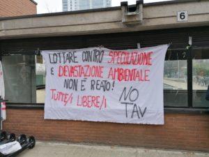 Presidio sotto il tribunale di Torino in attesa della sentenza del Maxi Processo No Tav
