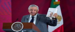 López Obrador ofrece asilo político a Julian Assange