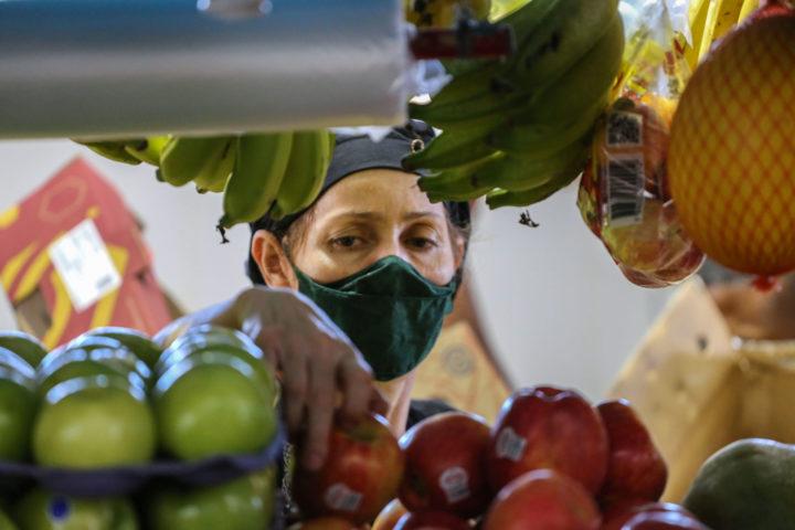 Brasile: rete di donne lancia una campagna per un'equa divisione del lavoro domestico