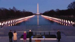 Biden y Harris conmemoran a más de 400.000 víctimas de COVID-19 en USA en víspera de la investidura presidencial