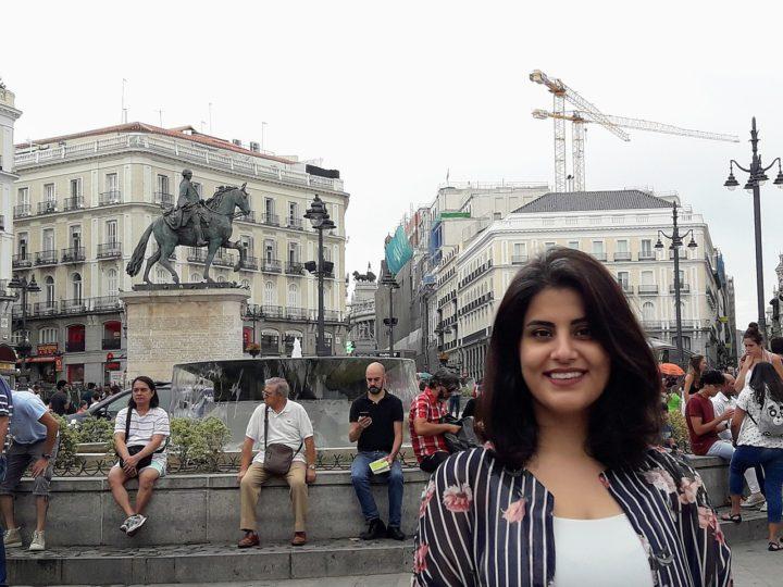 Una activista saudí recibe el máximo galardón europeo de Derechos Humanos
