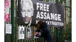 L'Italia riconosca ad Assange lo status di rifugiato. Presentata mozione in parlamento