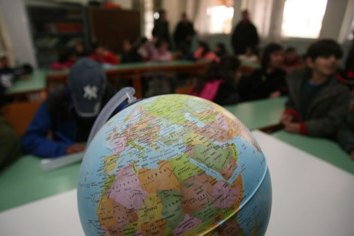 Μηνυτήρια αναφορά κατά Υπουργού και Υφυπουργού Παιδείας για κατά συρροή αποκλεισμό παιδιών αιτούντων άσυλο από την εκπαίδευση
