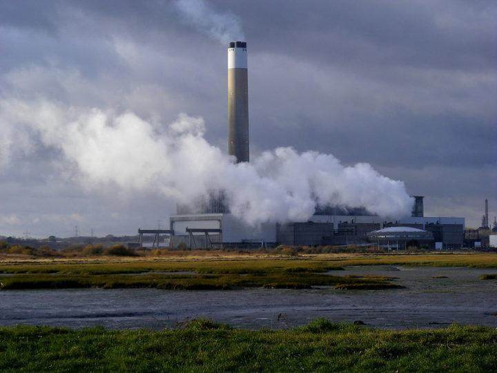 Χώρες που καταργούν σταδιακά τα ορυκτά καύσιμα καλούνται να αποζημιώσουν τις εταιρείες