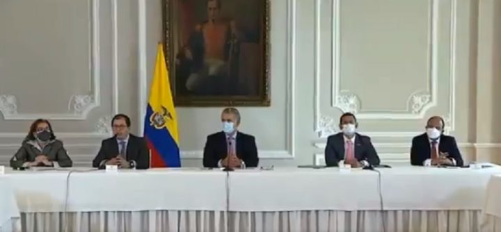 Serious Decisions Denounced Against Democracy in Colombia