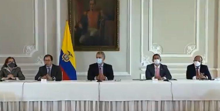 Denuncian graves decisiones contra la democracia en Colombia