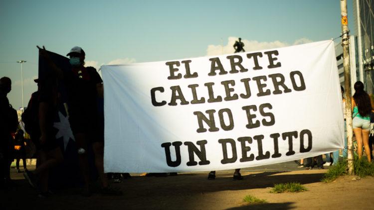 Manifestaciones en Santiago por malabarista asesinado en Panguipulli