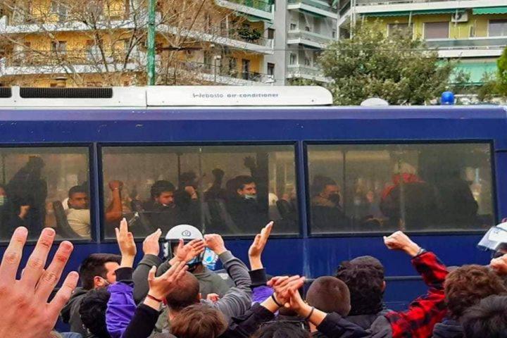 Trasferimento degli studenti greci arrestati