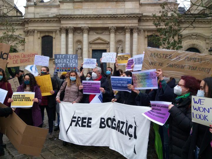 Boğaziçi Üniversitesi'ne Paris'ten destek