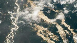 La NASA publica una foto de los ríos de oro en Perú