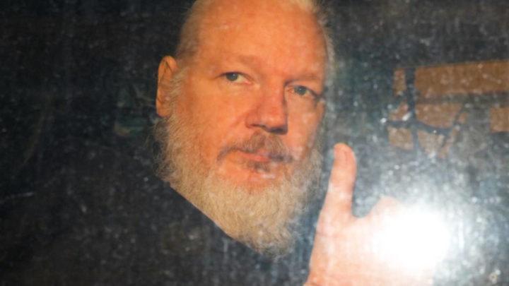 Les États-Unis maintiennent la demande d'extradition de Julian Assange alors que les groupes de défense de la liberté de la presse dénoncent un dangereux précédent