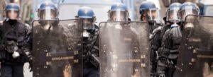 Francia, le autorità mettono a tacere le critiche alla proposta di legge sulla sicurezza globale