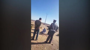 Sultana Khaya, activista por la independencia del Sahara Occidental, es agredida por la policía marroquí