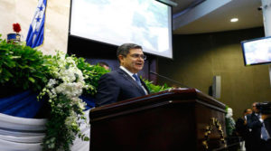 """Tendencia: #JuanOrlandoEsNarco, la respuesta de los hondureños al """"show"""" del gobernante"""