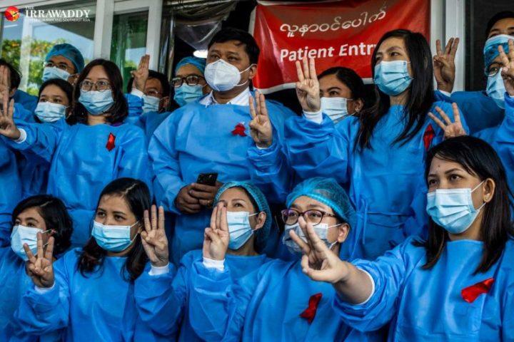 Ciudadanos inician campaña de desobediencia civil el segundo día del golpe de Estado en Myanmar