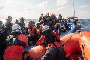La gestione delle richieste d'asilo degli immigrati (in larga parte Tunisini) che sbarcano: è legale?