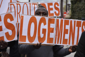 Manifestation internationale pour le logement