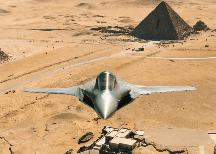 Militari italiani ad addestrarsi alla guerra in Egitto, ma Guerini non lo sa