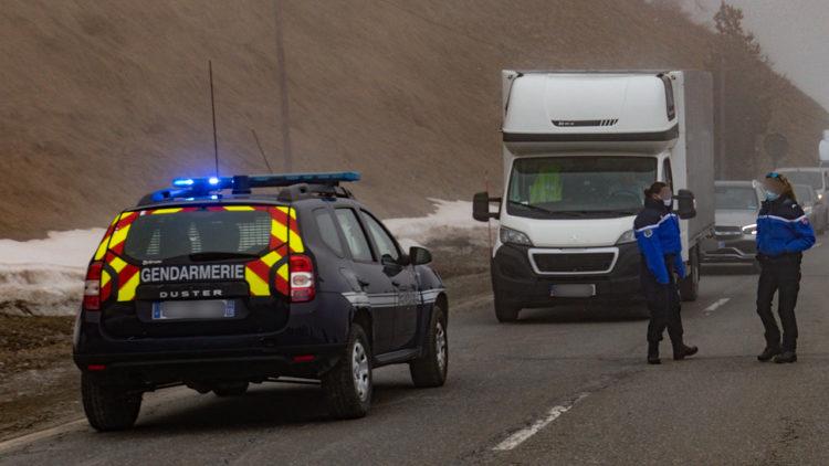Respingimenti al confine francese