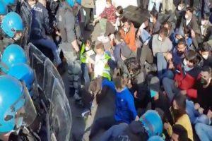 Lavoratori della Texprint di Prato in sciopero, denunciano da tempo sfruttamento e infiltrazioni mafiose